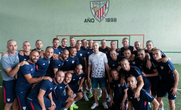 Linda homenagem dos companheiros de Yeray | Foto: Divulgação/Athletic Bilbao