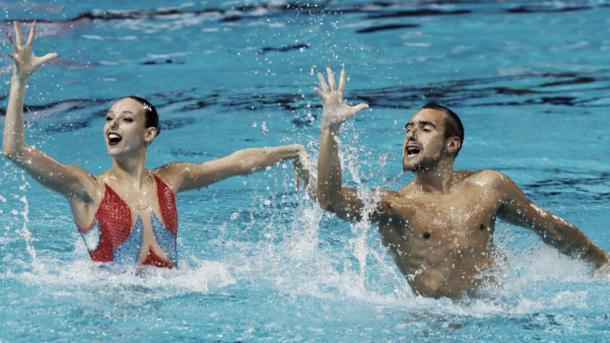 Pau Ribes y Emma García nadando el dúo mixto técnico| RFEN