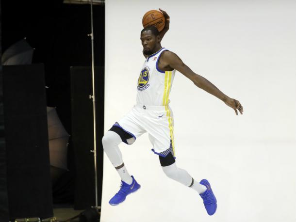 Durant se divirtió en el Media Day y espera hacer lo mismo en la pista (Foto: Associated Press)