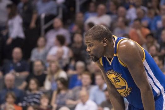 Basket, Nba: infortunio per Durant. Rischia un lungo stop