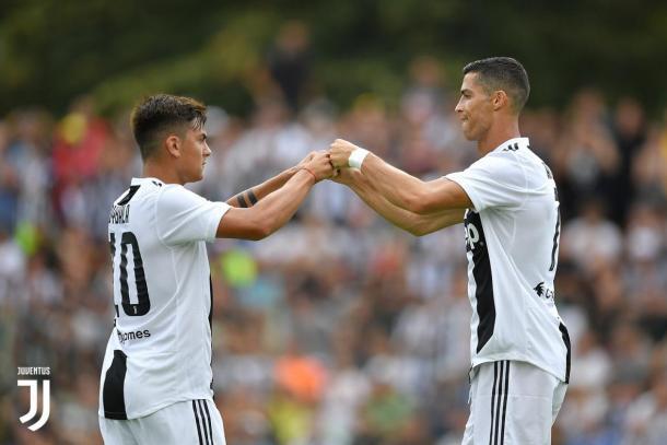Dupla Dybala e Cristiano Ronaldo promete grandes momentos na temporada. (Foto: Divulgação/Juventus)