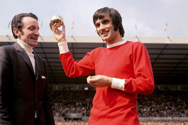 George Best recibe el Balón de Oro en 1968. Fotografía: UEFA