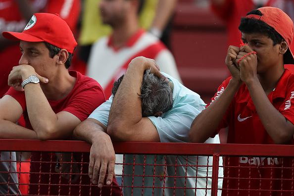 Colorados lamentam primeiro rebaixamento na história (Foto: Getty Images)