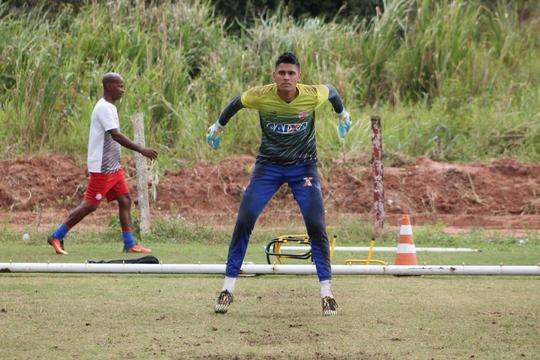 Jovem goleiro é cria da base alvirrubra (Foto: Divulgação / Clube Náutico Capibaribe)