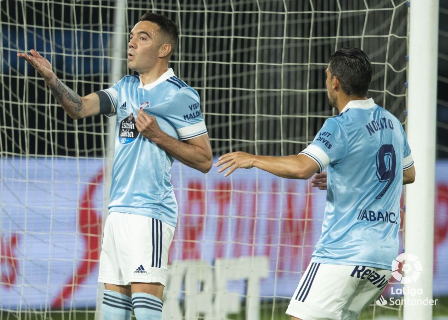 Iago Aspas con Nolito tras marcar un gol. | Foto: La Liga.