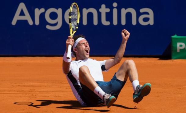 El festejo de Cecchinato luego de ganar el último punto. Foto: Radio Don