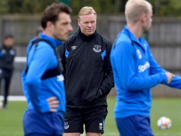 Ronald Koeman durante la rifinitura. | Fonte: twitter.com/Everton