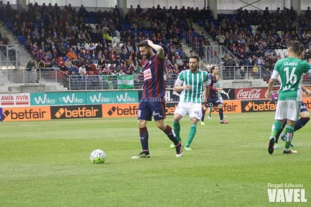 Bastón, un goleador que dejó su sello en Eibar. Foto: Ángel Ezkurra-VAVEL-.