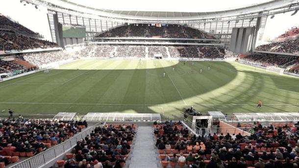 El Ekaterimburgo Arena, quizá uno de los estadios más ingeniosos de la Historia de los Mundiales, pero con denuncias de explotación laboral a sus espaldas. Foto: (es.fifa.com).