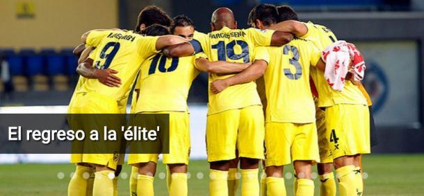 Equipo del Villarreal, celebrando el retorno a Primera División. Fuente: villarrealcf.es
