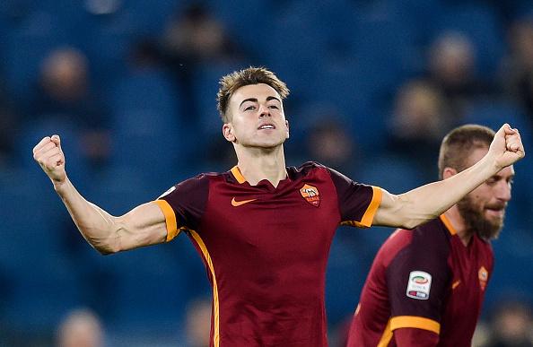 El Shaarawy celebrando su primer gol con la elástica de la Roma. Fotografía: Andreas Solaro (AFP) / Getty Images.