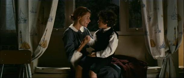 Simón y Laura, El Orfanato