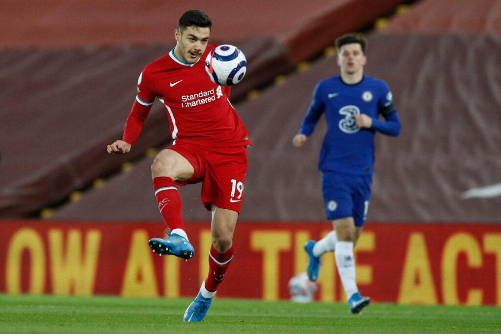 Kabak frente al Chelsea CF   Fuente: Liverpool FC