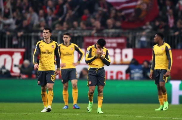 Alexis y el resto de sus compañeros se lamentan por la humillación del Bayern | Foto: Getty Images
