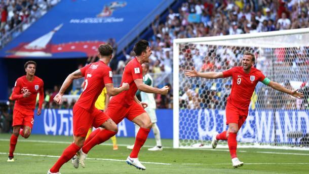 Ingleses comemoram gol de Maguire, contra a Suécia, nas quartas de final. Foto: FIFA/Getty Images