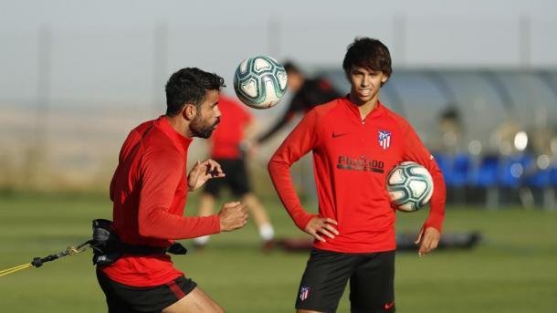 Joao Félix y Diego Costa durante los entrenamientos del Atlético de Madrid / Fuente: Marca