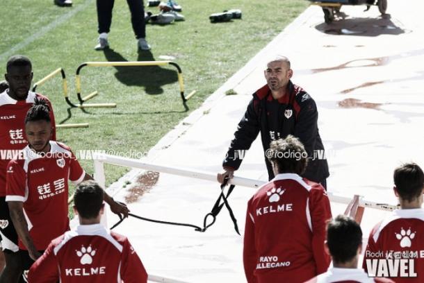 Paco Jémez en un entrenamiento cuando aún era entrenador rayista. Foto Rodri (VAVEL)