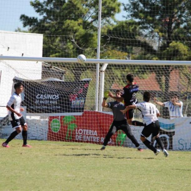 El año pasado, Enzo le marcó 4 goles a All Boys (Foto: Facebook Enzo López).