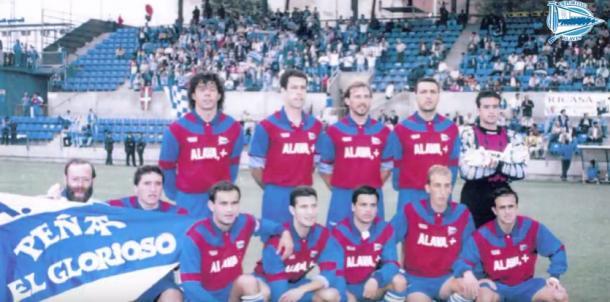 Equipo del Deportivo, con Aitor Arregui en sus filas, que consiguió el ascenso a Segunda División, en la temporada 1994-95. Fuente: deportivoalaves.com