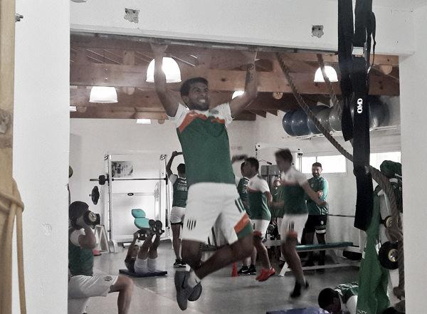 Walter Erviti realizando ejercicios de fuerza en el gimnasio | Fuente: Prensa Banfield