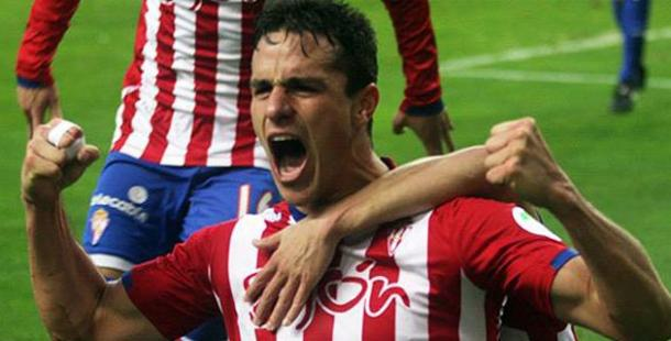 Bernardo Espinosa in action for Sporting Gijon | Photo: elheraldo.co