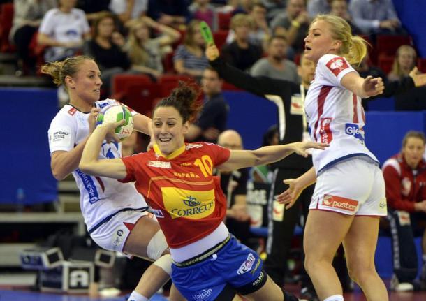 Macarena García en la final del Europeo 2014 ante Noruega. Foto: zimbio