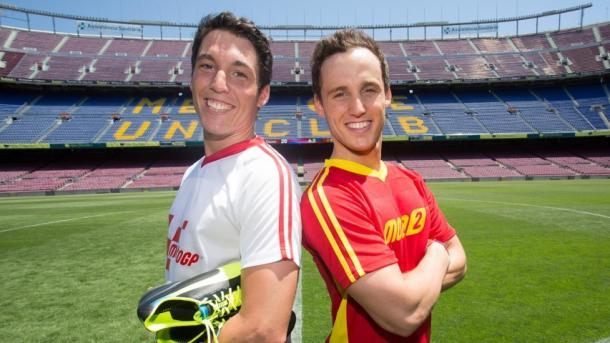 Aleix y Pol Espargaró en el estadio del FCB. | Fuente: MotoGP