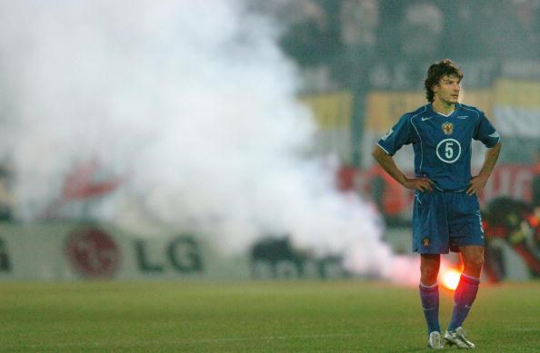 Lamentação em Bratislava: Rússia não iria à Copa de 2006 (Foto: Joe Klamar/AFP)