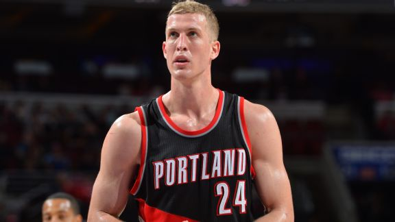 Plumlee's continued presence will help their chances of making a playoff push next season. Photo: Jesse D. Garrabrant/Getty Images