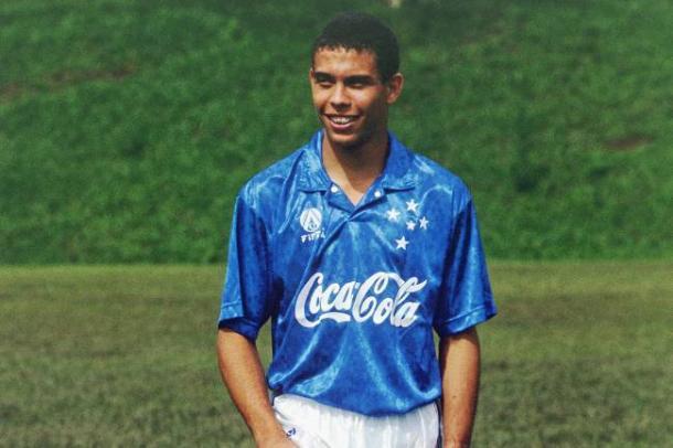 Ronaldo na base do Cruzeiro (Foto: Reprodução/Cruzeiro)