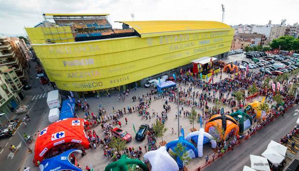 Vista exterior del Estadio de la Cerámica. | Foto: Wandegar