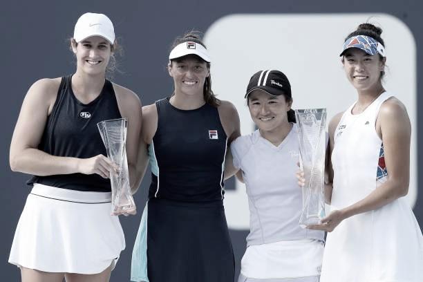 Las finalistas en la ceremonia final  Foto Getty/WTA