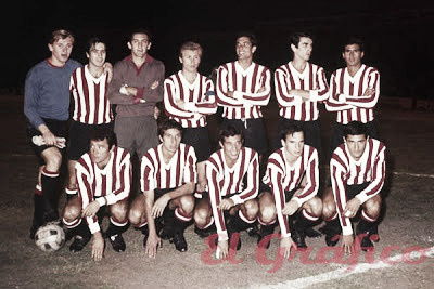 Plantel campeón de la Libertadores de 1968 | FOTO: Historias Coperas.