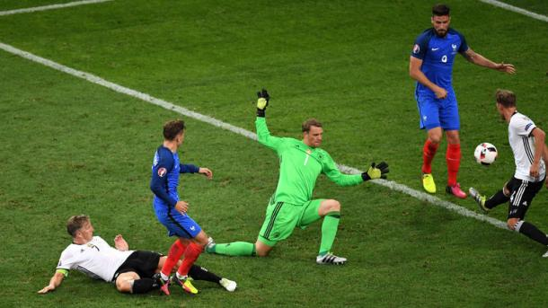Griezmann scoring his seocnd goals against Germany in the semi-final | Photo: Getty