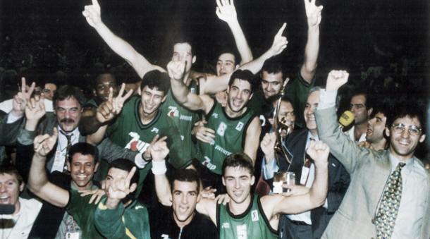 El Joventut celebrando la Eurpliga del 1994   Foto: Joventut de Badalona
