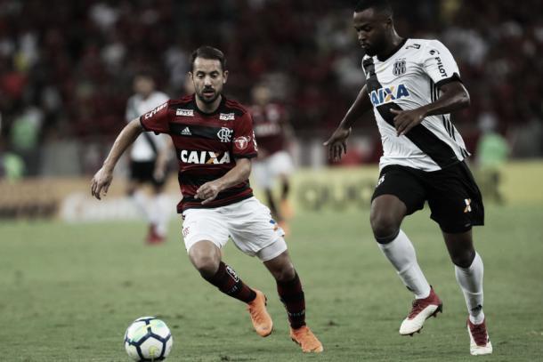 Éverton Ribeiro mostrou mais intensidade nas jogadas pelo meio. Foto: Gilvan de Souza/Flamengo
