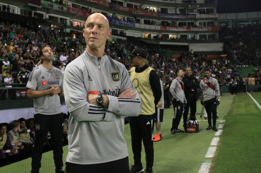 Bradley en un previo de un partido con LAFC (latimes.com)