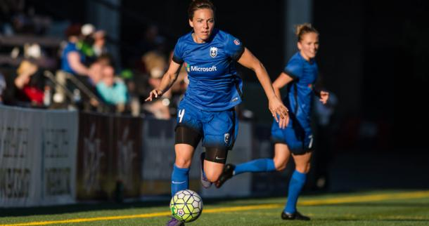 Rachel Corsie on the ball for the Reign | Source: Excelle Sports
