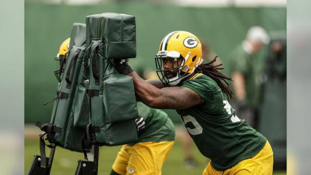 Za'Darius Smith en los OTAs (foto: www.packers.com)
