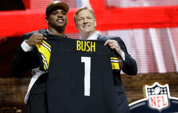 Devin Bush selccionado por los Steelers con el pick #10 (foto: www.nfl.com)