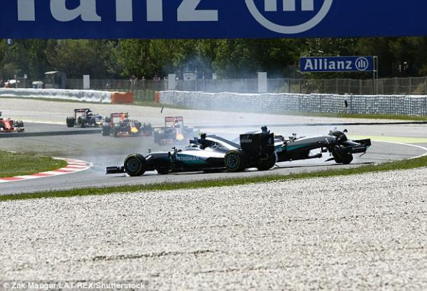 Hamilton and Rosberg spin off (photo: Zak Mauger)