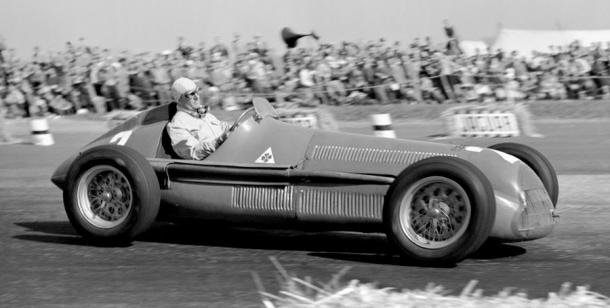 Giusseppe Farina, primer piloto de la historia en ganar un mundial de Fórmula 1 | Fuente: IMDb