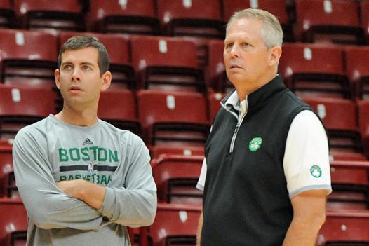 Brad Stevens e Danny Ainge. Fonte: Garrett Ellwood/NBAE via Getty Images