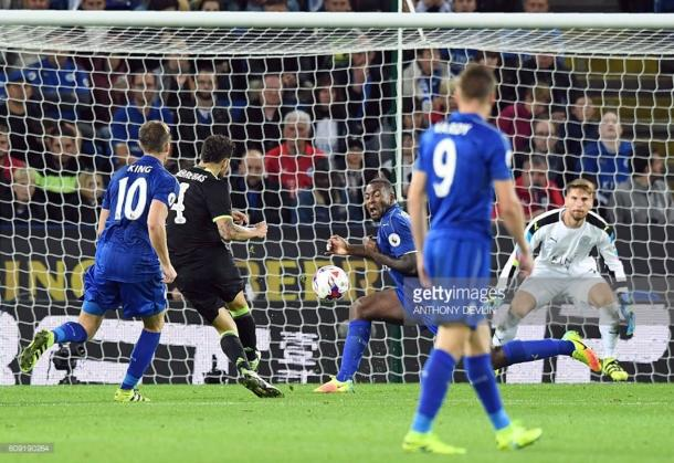 Cesc Fabregas scores for Chelsea on Leicester's 4-2 defeat to Chelsea in the EFL Cup Third Round defeat last season | Photo: Getty/ Anthony Devlin