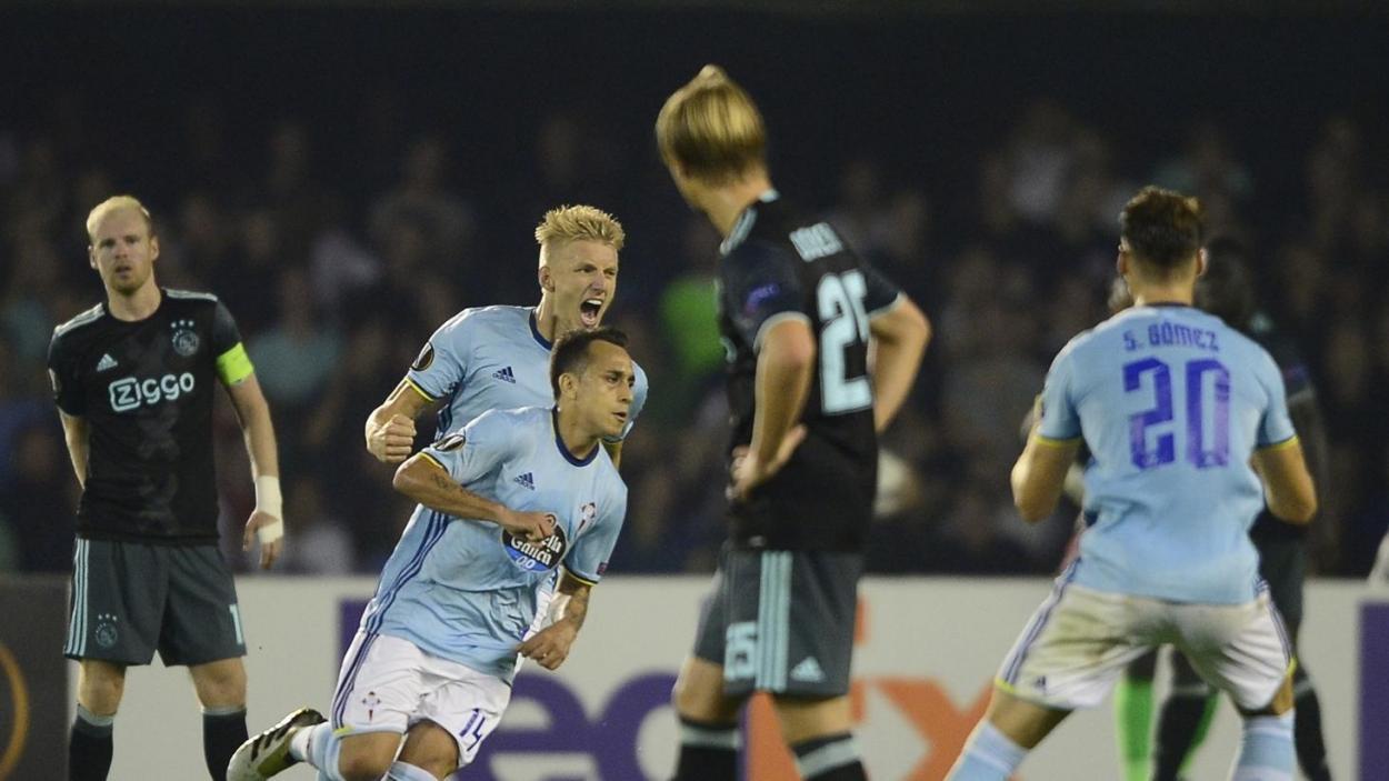 Orellana en la celebración del gol que ponía las tablas en el electrónico / Foto: Getty Images