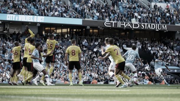 Mahrez pone el tercero a balón parado./ Foto: Premier League