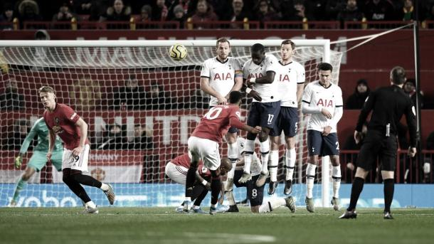 Magnífico golpeo de falta de Marcus Rashford./ Foto: Premier League