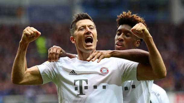 Lewandowski comemora terceiro gol do Bayern   Foto: Divulgação/FC Bayern
