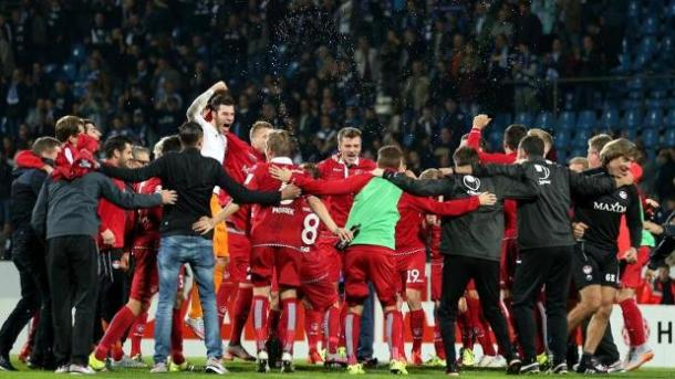 Kaiserslautern celebrating a rare high point after beating leaders Bochum | Photo: N24/DPA