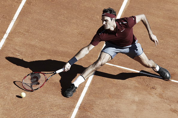 Federer during his first match on his return (Photo: Getty Images/Valery Hache)